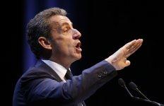Sarkozy attaque hollande sur une autorite jugee defaillante de l'etat