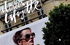 Les galeries lafayette se renforcent dans l'e-commerce avec bazarchic