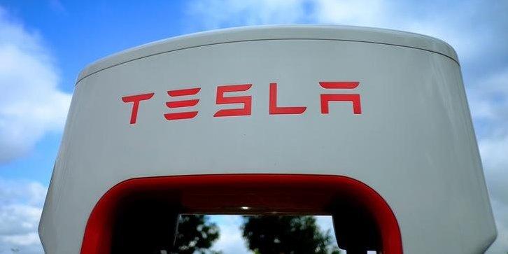 Juin 2017 : Après avoir porté plainte, une ingénieure est licenciée chez Tesla