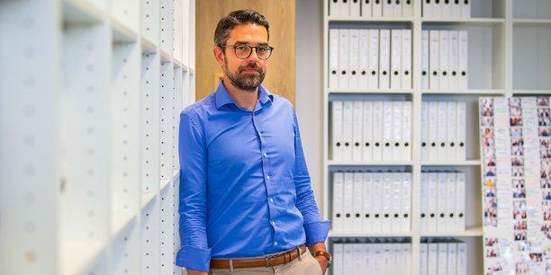 Régis Serazin est le directeur et cofondateur du cabinet d'expertise comptable Condillac Expertise, spécialisé dans les freelances, TPE et startups.