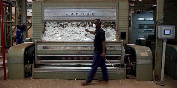 Pour la prochaine campagne au Bénin, le sac de 50 kg d'engrais coton (NPKSB et l'urée) et le sac d'engrais vivrier (NPKSBZn) coûteront chacun 12 000 francs.