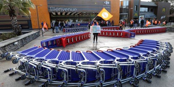 Carrefour va se séparer de 243 magasins ex-Dia (sur 272), conséquence du plan de restructuration de l'entreprise dévoilé en janvier.
