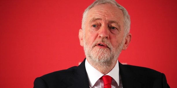 La position de Jeremy Corbyn, chef du Parti travailliste et principale force d'opposition au Royaume-Uni, en faveur d'une renégociation de l'accès au marché unique européen, a creusé les fractures au sein du Labour.