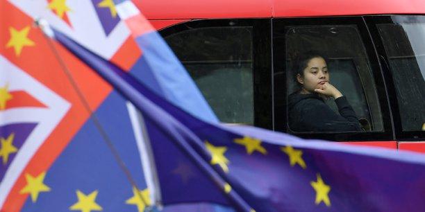 Deux ans jour pour jour après le référendum sur le Brexit, cette marche organisée par l'association The People's Vote (Le vote du peuple) marque le début d'une campagne d'actions qui doit durer tout l'été pour exiger une nouvelle consultation populaire.