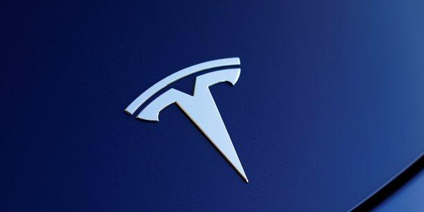 Le titre Tesla reste très volatile, il a augmenté de 27% depuis début avril après avoir perdu autant depuis le 2 février.