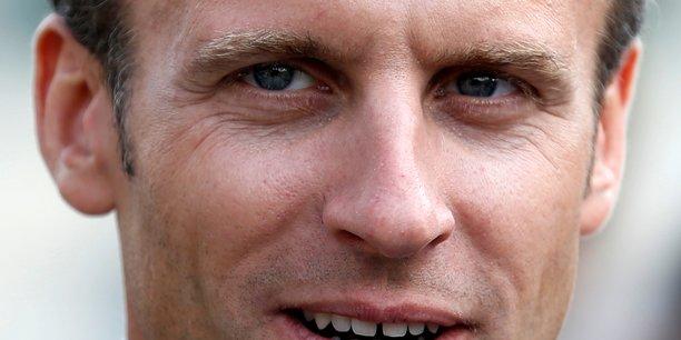 Macron dement toute ambiguite avec philippe de villiers[reuters.com]