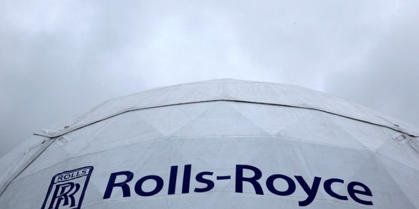 Rolls-royce supprime 4.600 emplois pour economiser 400 millions de livres par an[reuters.com]