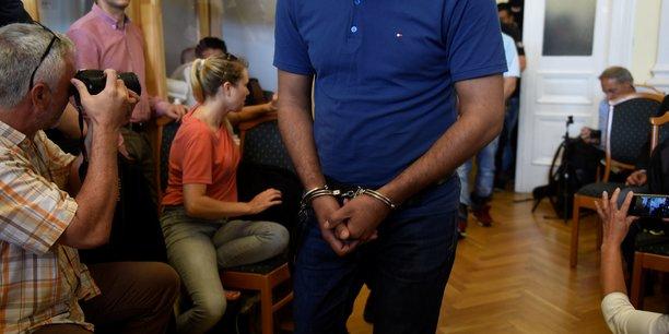 Quatre passeurs condamnes a 25 ans de prison en hongrie[reuters.com]
