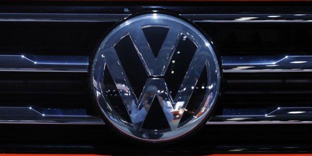 Volkswagen: l'enquete pour manipulation de marche pourrait etre bouclee en 2018[reuters.com]