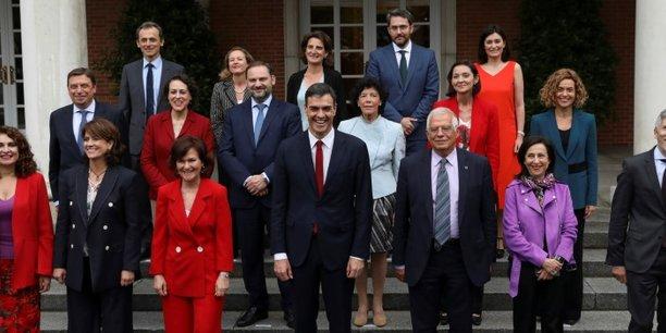 Madrid pourrait autoriser le rapprochement des separatistes catalans[reuters.com]