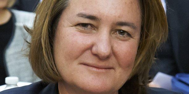 Béatrice de Lavalette, vice-présidente du conseil régional d'Île-de-France chargée du dialogue social, adjointe au maire de Suresnes chargée des Ressources humaines et du dialogue social.