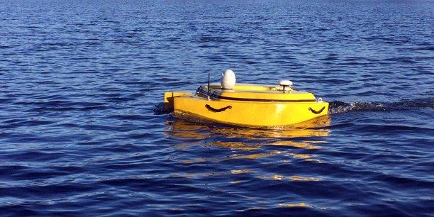 Robotics Industry conçoit et commercialise des robots et des drones aériens, nautiques et terrestres.
