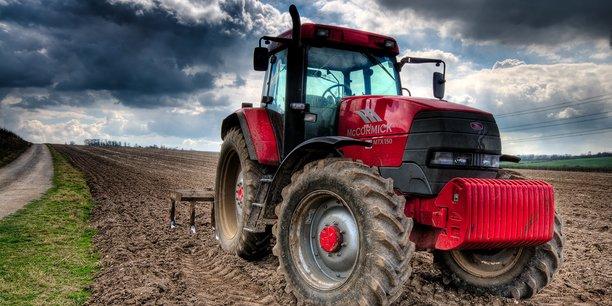 « Le sol peut agir comme un puits de carbone, et donc contribuer de manière significative à l'atténuation du changement climatique, mais il peut aussi contribuer au réchauffement de la planète à cause de l'utilisation des terres », a expliqué Hartmut Stalb, de l'Initiative de programmation conjointe sur l'agriculture, la sécurité alimentaire et le changement climatique (FACCE-JPI).