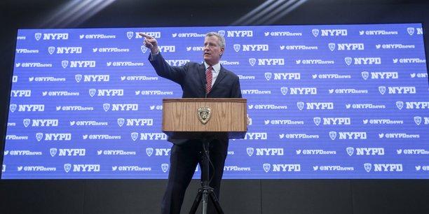 le maire de New York avait indiqué que les dommages éventuellement alloués par la justice contribueraient au financement des mesures prises par la ville pour lutter contre les conséquences du changement climatique.