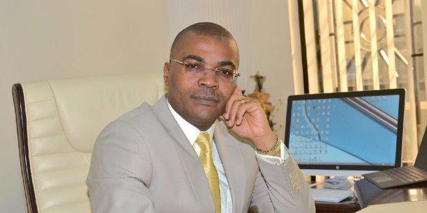 Guy Laurent Fondjo est administrateur directeur général d'Afriland First Bank Guinée, président de l'Association professionnelle des établissements de crédit de Guinée, et Conseiller économique du président de la République de Guinée, Alpha Condé.