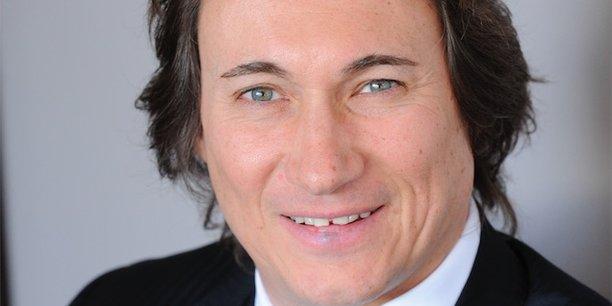 Pierre Streiff, président du Medef 38, estime que les outils de communication actuels ne permettent pas une totale déconnexion pendant la période de vacances.