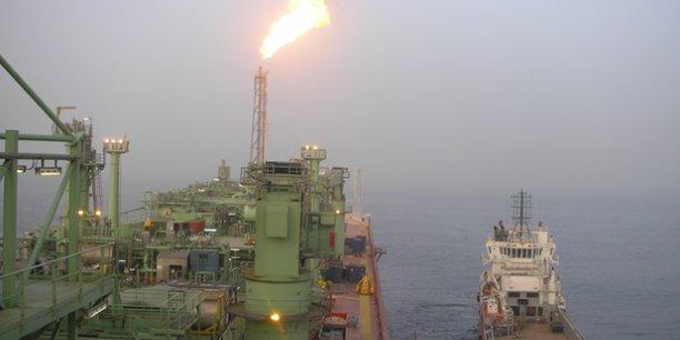 Grand Tortue Ahmeyim est un gisement offshore de gaz dont les réserves sont estimées à 450 milliards de mètres cubes que le Sénégal et la Mauritanie vont exploiter conjointement et équitablement.