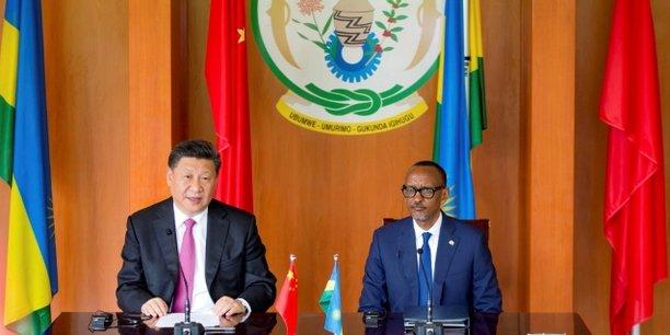 Les présidents Xi Jinping et Paul Kagamé, lors de la conférence tenue le 23 juillet 2018 dans la capitale rwandaise, Kigali.