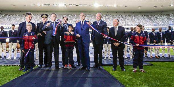Inauguration en mai 2015 du futur Matmut Atlantique, avec notamment Nicolas de Tavernost, à gauche, et Alain Juppé au centre.
