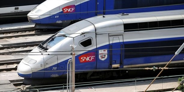 Le poste électrique d'Issy-les-Moulineaux (Hauts-de-Seine) qui alimente Montparnasse, a été gravement endommagé vendredi par un incendie encore inexpliqué.
