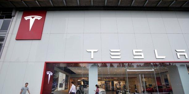 Tesla rassure les marchés malgré les pertes