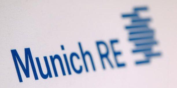 Le réassureur allemand Munich Re a fait état d'un bénéfice net au deuxième trimestre en léger retrait sur un an, en ayant dû rembourser plus de 501 millions d'euros.