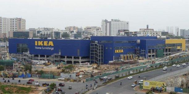 Ikea ouvre son premier magasin en Inde dans le quartier d'Hitec City, au sud de la ville d'Hyderabad dans le centre du pays.