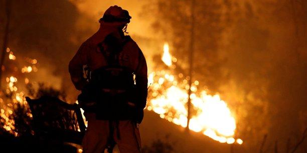 Un incendie de foret menace une ville du sud de la californie[reuters.com]