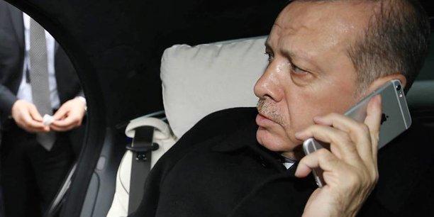 Boycottez Apple et achetez les produits Samsung — Erdogan aux Turcs