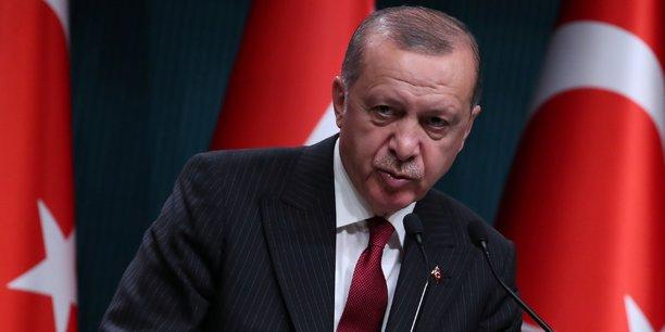Le président truc Recep Tayyip Erdogan dénonce une trahison de l'administration Trump qui a l'intention de doubler les tarifs douaniers sur l'acier et l'aluminium trucs.