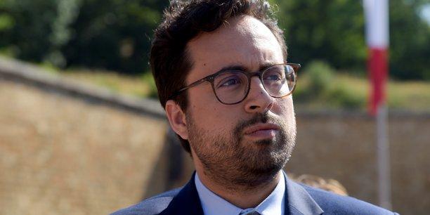 Mounir Mahjoubi appelle l'ensemble des TPE-PME françaises qui rencontrent des difficultés avec les plateformes de vente en ligne, à le signaler en ligne sur le site demarches.simplifiees.fr, d'ici à la fin du mois de novembre.