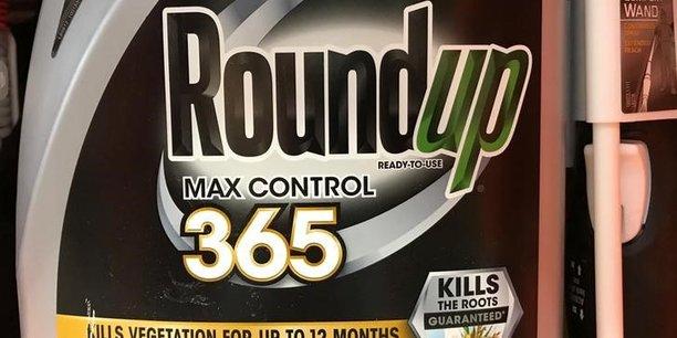Bayer a annoncé jeudi que le nombre de plaintes déposées aux Etats-Unis contre Monsanto, qu'il vient de racheter, s'établissait à 8.000 à fin juillet. Ce décompte a été établi avant la lourde condamnation dont le fabricant du Roundup a écopé le 10 août, lorsqu'un jury californien a considéré que le désherbant était à l'origine du cancer développé par un agent d'entretien et a condamné Monsanto à lui verser 289 millions de dollars.