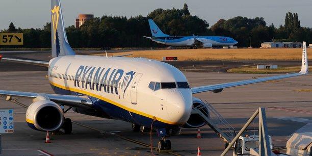 Le transporteur irlandais dit avoir décidé cette mesure plus contraignante pour lutter contre le retard de ses avions causés par des personnes embarquant trop de bagages à main à bord.