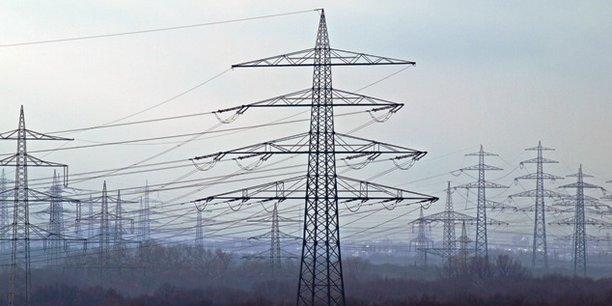 L'Inde accordera à l'Ouganda une ligne de crédit de 141 millions de dollars pour l'installation de nouvelles lignes de transport aérien d'électricité.