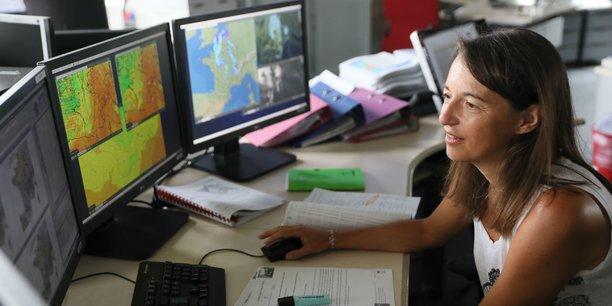 En France, les phénomènes cévenols sont observés depuis la Météopole de Toulouse où sont installés les équipes de Météo-France et le service central de Vigicrues.