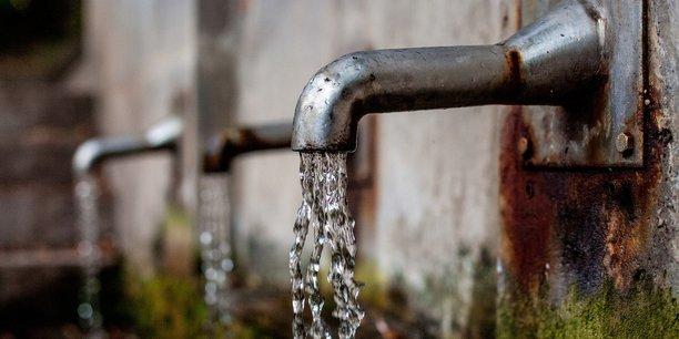 Edouard Philippe a néanmoins justifié par la nécessité de maîtriser la dépense publique et de baisser la pression fiscale l'obligation faite aux agences de l'eau de reverser une partie de leur budget à l'Etat.