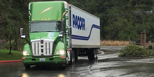L'américain PACCAR, qui possède les camions Kenworth, Peterbilt, et, en Europe, DAF Trucks, a été condamné en juillet 2016 à payer une amende de 752 millions d'euros infligée par Bruxelles pour avoir participé au cartel des camions. Outre DAF, cette entente illégale a impliqué Man, Scania, Daimler, Iveco, Volvo.... Ci-dessus, le Kenworth T680, camion à pile à hydrogène (zéro émission polluante) présenté au CES Las Vegas... en 2018.