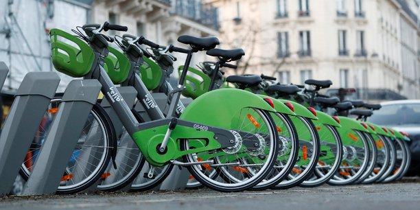 Aujourd'hui, il y a autour de 820 stations et 10.000 vélos disponibles, dont 3.400 à assistance électrique, a affirmé Arnaud Marion, le président exécutif de Smovengo.