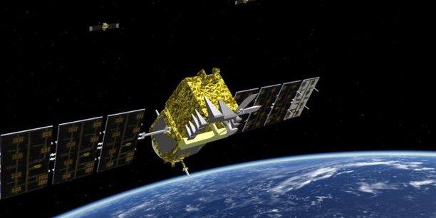 Nous renforcerons notre connaissance de la situation spatiale, nous protégerons mieux nos satellites, y compris de manière active, a assuré samedi soir Emmanuel Macron