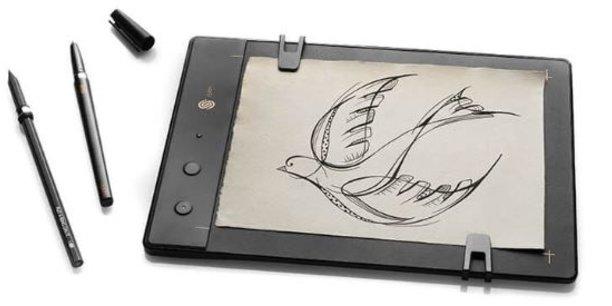 La planche à dessin Slate de ISKN, sortie en 2015, permet de dessiner comme sur du papier, avec les sensations qui vont avec, mais d'éditer et de numériser en temps réel la création, comme si l'on travaillait sur un ordinateur.