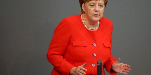 Syrie: merkel pour une reaction allemande en cas d'attaques chimiques[reuters.com]