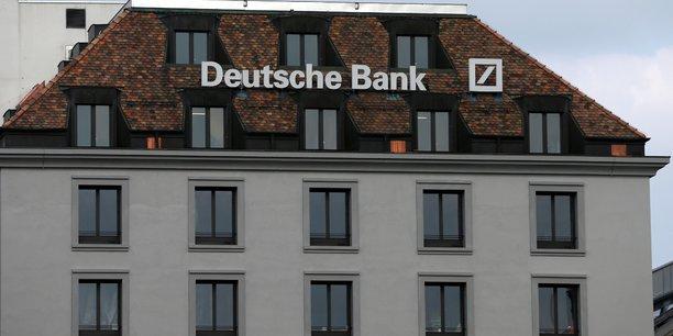 Deutsche bank envisage de se transformer en holding[reuters.com]