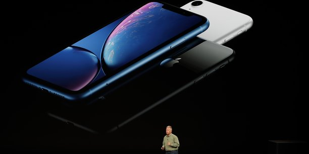 Philip Schiller est le Vice-Président marketing d'Apple lors de la présentation de l'iPhone Xr, hier à Cupertino.