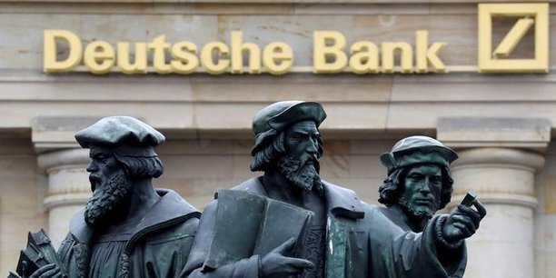 Selon le Financial Times, la banque allemande pourrait transférer au final environ trois quarts du total des actifs qu'elle gère à Londres vers son siège à Francfort, soit 450 milliards d'euros d'actifs.
