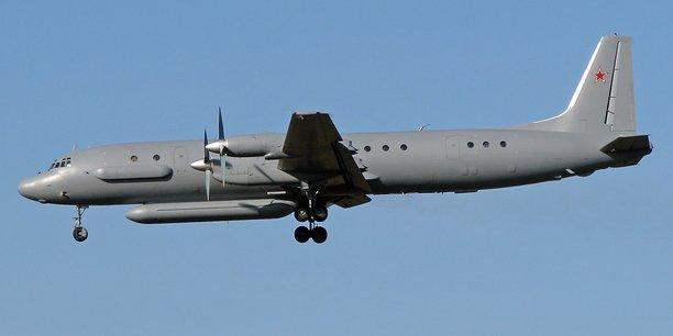 L'Iliouchine Il-20 est un quadrimoteur russe de transport militaire.