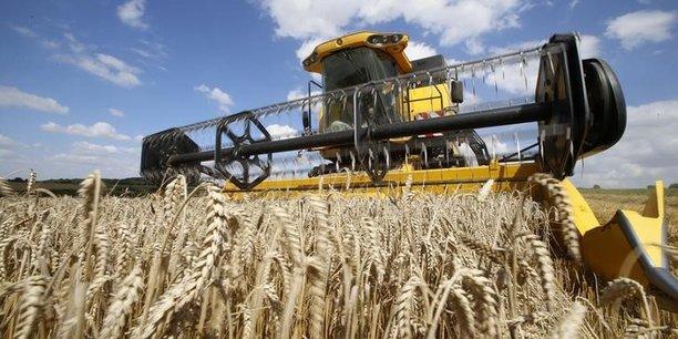 Le gouvernement a notamment annoncé le triplement du plafond d'exonération des transmissions de baux ruraux à long terme, afin de faciliter la transmission des exploitations.