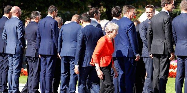 Nous sommes donc dans une impasse, a déclaré vendredi Theresa May, tout en sommant les Vingt-Sept de lui présenter une alternative à son propre plan, dit de Chequers, rejeté la veille lors du sommet informel de Salzbourg.
