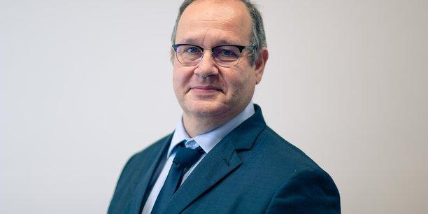 Le professeur de Grenoble INP Phelma et ex-vice président du CA de Grenoble INP, Pierre Benech, a repris les fonctions d'administrateur général de Grenoble INP après le départ de Brigitte Plateau.