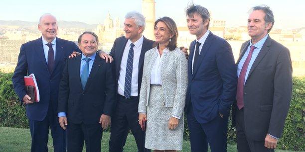 De gauche à droite : Dominique Bussereau (ADF), André Laignel (CFL), Hervé Morin (Régions de France), Martine Vassal (Bouches-du-Rhône, Aix-Marseille métropole), François Baroin (AMF) et Renaud Muselier (Sud-PACA)