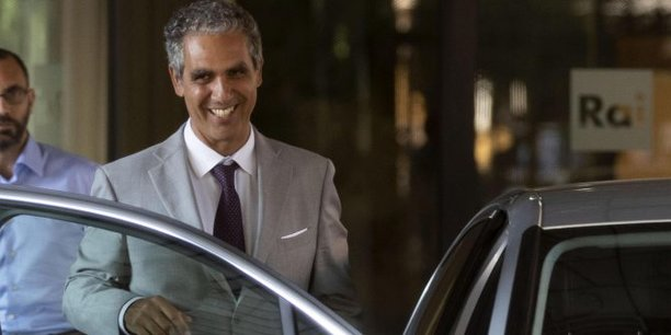 Marcello Foa, président désigné de la RAI, la société nationale de radiodiffusion publique italienne, quitte son siège à Rome, en Italie, le 1er août 2018. Selon les rapports, la commission de contrôle parlementaire de la RAI n'a pas approuvé la nomination.